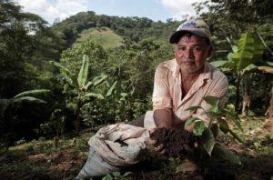 Pedro Armengol en su finca en La Pita, San Ramón, Nicaragua. Foto de Oscar Leiva/Silverlight.