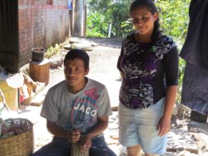 Con nuevas prácticas Nancy y su familia sobreviven a la crisis de la agricultura en su caserío